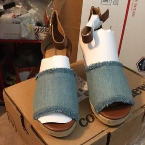 NEW COMFORTVIEW LEATHER & DENIM WEDGES